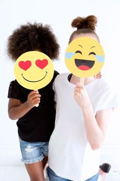 Emoji Party Ideas - Emoji Birthday Party - FREE Emoji Party Printables - Emoji…