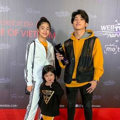 Ranz Kyle, Endorsed Brand, Cute Couple Wallpaper, Siblings Goals, Best Profile, Cute Teenage Boys, Dark Brown Eyes, Youtube Stars, Social Media Influencer
