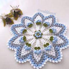 Front Mehndi Design, Mehndi Designs, Crochet Potholders, Crochet Designs, Blanket, Knitting, Flowers, Handmade, Crochet Carpet