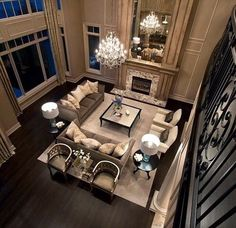 When it comes to celebrity homes, they always fascinate us. But what raises most interest are definitely their luxury living room designs. Elegant Living Room, Formal Living Rooms, Home Living Room, Living Room Designs, Sala Grande, Home And Deco, Living Room Inspiration, Luxury Living, Great Rooms