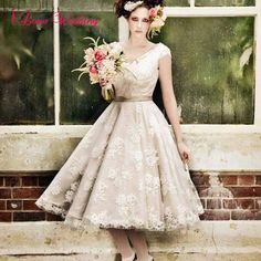 102.49$ Buy now - http://viqpl.justgood.pw/vig/item.php?t=pirztgj3782 - 2017 Knee Length Wedding Dresses Formal A-Line Lace Tulle Bridal Gowns Custom 102.49$
