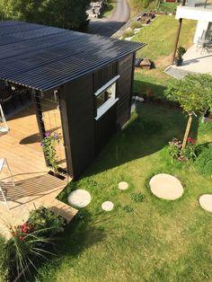 Uterom med pergola og kreative trebyggerier – Bergene Holm Blogg Garden, Outdoor Decor, Instagram, Home Decor, Zen, Meditation, Patio, Kitchens, Creative