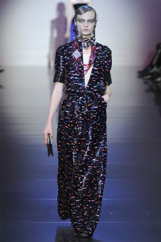 9309e8d12be Giorgio Armani Privé - Haute Couture Fall Winter 2012-13 - Shows - Vogue.