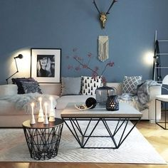 ▷ 1001 + ideas for modern and stylish deco for living room- ▷ 1001 + Ideen für moderne und stilvolle Deko für Wohnzimmer deco living room, blue wall, round and square coffee table, candles and vases - Decor, Room Inspiration, Living Room Scandinavian, Home And Living, Living Room Designs, Living Room Decor, House Interior, Room Design, Room Decor