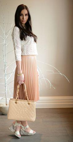 Julias 3. Outfit mit Plisseerock und den Clarks Keilsandaletten gibt es auch hier in ihrem Blogbeitrag zu sehen: http://www.addictedtofashion.net/outfit-plisseerock - Danke für die tollen Stylingideen!