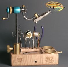 Fishing in Style. One of the absolute finest vise's to tie on.