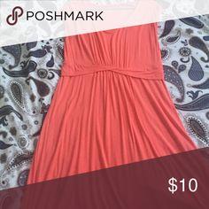 Liz Lange maternity dress Peach colored maternity dress, 95% rayon 5% spandex. Machine washable. Liz Lange for Target Dresses Midi