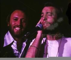 I can't get enough, I want you tomorrow Robin Pictures, Barry Gibb, Twin Brothers, Normal Life, Rock N Roll, Twins, Singing, Celebrities, Funny