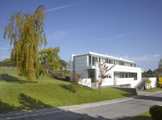 Image 2 of 16 from gallery of Luxembourg House / Richard Meier & Partners. Photograph by Roland Halbe
