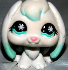 Littlest Pet Shop Arctic White & Blue Bunny #685 RARE Snowflake Eyes LPS