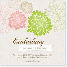 Blühend wie diese Blumen ist auch die Liebe des Paares, das mit dieser wunderschönen Karte zu seiner Hochzeit einlädt. Schon der äußere Anblick der Karte wirkt äußerst elegant und stilvoll. Im Inneren warten dann eine persönliche Botschaft für die Eingeladenen und einige Fotos des Hochzeitspaares.