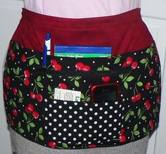 I wear an apron just like this at my shows instead of using a cash box.  Works great to hold everything I need!  $30.00