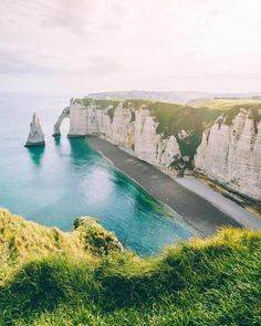 Étretat France | Mary Quincy | #adventure #travel #wanderlust #nature #photography