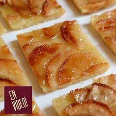 Esta tarta de manzana, es la tarta de las tartas! Tiene el equilibrio justo del sabor de la manzana, el azúcar caramelizada y el crocante de la masa