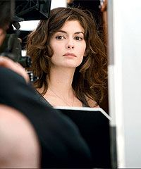 Audrey Tautou has the most beautiful face, and a brilliant actress Audrey Tautou, Coiffure Hair, French Beauty, French Makeup, French Actress, Mi Long, About Hair, Beautiful Actresses, Cute Hairstyles