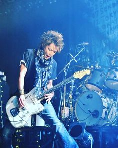 #TBT with Inoran! #inoran #INRN #beautiful_now #tour #jrock #rock #japan #guitarist #vocalist #guitarplayer #rockstar #musician #performer #lunasea #tourbillon #muddyapes by jelmed1