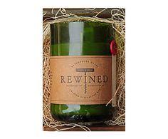Bougie Parfumée CABERNET - 60HNOTRE CONSEIL Profitez d'un délicieux moment gourmand entre amis grâce à cette sélection d'ardoises, de planches en bois, de verres à vin et d'ustensiles. Pour parfaire l'ensemble, créez une décoration originale et raffinée avec les bougies REWINED. Ces modèles aux senteurs discrètes et gourmandes sont coulées dans d'anciennes bouteilles de vin de manière artisanale.