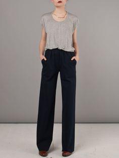 gray top w/black slouchy pants