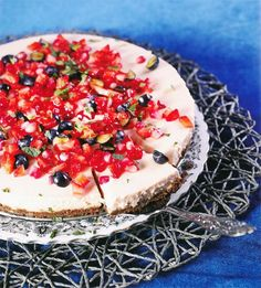 Aarbei-Yskastert met Romany Creams Cream Biscuits, South African Recipes, Cheesecake Recipes, Sweet Treats, Afrikaans, Desserts, Food, Tailgate Desserts, Sweets