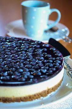 Baileys Cheesecake, Cake Recipes, Dessert Recipes, Norwegian Food, Just Cakes, Yummy Cakes, Sweet Treats, Good Food, Food And Drink