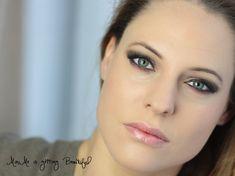 soft brown make up, soft lips seductiv Smokey Eyes
