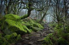 Peak District é uma area de terras altas nas regiões centrais e norte da Inglaterra.