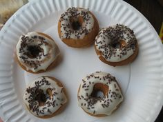 Great site for celiac/gluten intolerant/food allergy recipes.  This one is for gluten free doughnuts in 5 minutes (if you have a doughnut maker.  Otherwise, it would take longer to bake or fry them)