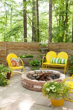 Paving Stones –Build a fire pit in 30 minutes or less by stacking curved paving stones. The bricks hold steady even without mortar, and dress up an existing patio before the sun goes down. Click through for the full tutorial and for more fire pit ideas.