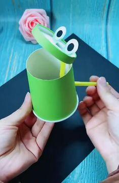Diy Crafts For Kids Easy, Animal Crafts For Kids, Fun Diy Crafts, Craft Activities For Kids, Creative Crafts, Preschool Crafts, Art For Kids, Paper Cup Crafts, Paper Crafts For Kids