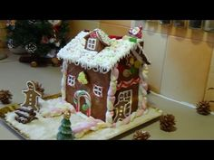 Christmas Gingerbread House, Cake, Desserts, Crafts, Youtube, Food, Holidays, Tailgate Desserts, Deserts