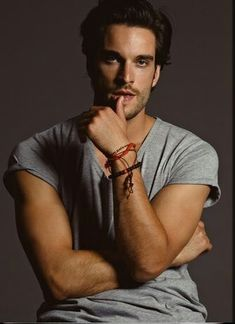 Just started watching Witches of East End and absolutely adore Killian