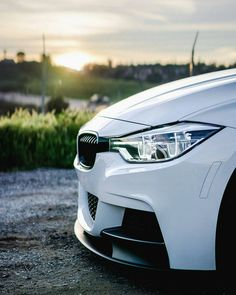 "317.5 mil Me gusta, 424 comentarios - BMW (@bmw) en Instagram: ""Take a moment to appreciate the sporty elegance of the #BMW #3series Sedan. #BMWrepost…"""