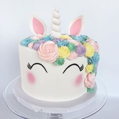 We finally stopped squealing over how cute this unicorn cake was long enough to take a picture! (How To Bake Cheesecake) Cute Cakes, Pretty Cakes, Beautiful Cakes, Amazing Cakes, Decors Pate A Sucre, Unicorn Birthday Parties, Birthday Ideas, Happy Birthday, Frozen Birthday