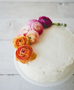 Honey and cardamom cake - HQ Recipes Pretty Cakes, Beautiful Cakes, Cardamom Cake, Easy Cake Decorating, Cake Decorating Supplies, Buttercream Cake, Buttercream Flowers, Love Cake, Savoury Cake