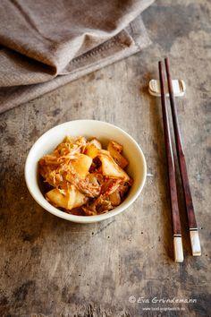 Ein Kimchi Rezept für Einsteiger | Food Vegetarisch Vegan, Ramen, Barbecue, Cooking, Ethnic Recipes, Food, Kimchi Recipe, Korean Food, Chinese Cabbage