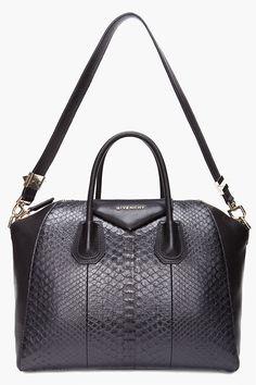 Resultados de la Búsqueda de imágenes de Google de http://www.awomenbags.com/wp-content/uploads/2012/03/07/women-handbags-20120307359.jpg