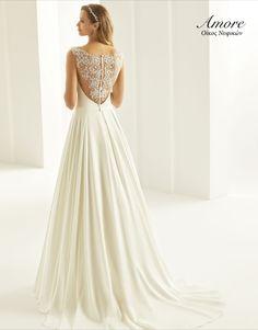 Every bride needs a chic wedding dress!! Κωδικός νυφικού Cassandra Bianco Evento Κλείσε τώρα το #ραντεβού σου στο 2310234929 💻 www.amore-nifika.gr 📍 Αγίας Σοφίας 46 , #Θεσσαλονίκη #nifikaamore #nyfika #bride #myday #specialday #uniquebride #yesido #bridalwear #booknow #biancoevento