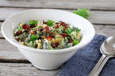 BROKKOLISALAT Frisk, Tex Mex, Wok, Fruit Salad, Guacamole, Acai Bowl, Potato Salad, Vegetarian Recipes, Side Dishes