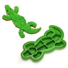 Alligator Cake Pan ~ Andrew usually asks for a chocolate cake with chocolate or vanilla buttercream Alligator Cake, Alligator Party, Birthday Desserts, Cool Birthday Cakes, Birthday Ideas, Fabulous Birthday, Third Birthday, Happy Birthday