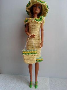 vêtement poupée mannequin Barbie (255)                              …