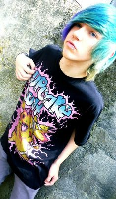{Fc:max amphetamine} Hey I'm Vinnie, I'm single and 18. I'm a big flirt and girls can't get enough of me