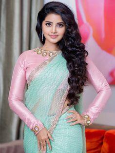 Beautiful and Sexy Babes! Beautiful Girl Photo, Beautiful Girl Indian, Most Beautiful Indian Actress, Beautiful Saree, Beautiful Bollywood Actress, Beautiful Actresses, Beauty Full Girl, Beauty Women, Cheongsam