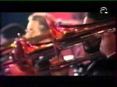Al Jarreau & R.Ferrell & G.Benson - 'Moody's Mood' - 1991 - Another portion of this incredible concert of the Count Basie Orchestra directed by Quincy Jones in Montreux in 1991 with 'the harmonica jazz Toots Thielemans but this cover of James Moody, 'Moody's Mood' but here wonderfully sung by George Benson very inspired with Al Jarreau and Rachelle Ferrell.