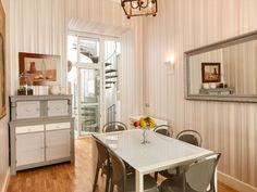 Las Palmas De Gran Canaria villa for sale € Kitchen Office, Living Room Kitchen, Large Bathrooms, Large Bedroom, Find Property, Living Area, Villa, Dining, Home Decor