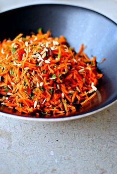 moroccan carrot salad not your average boring side dish dishes,food,recipes Morrocan Food, Moroccan Dishes, Moroccan Salad, Moroccan Style, Vegetarian Recipes, Cooking Recipes, Healthy Recipes, Carrot Salad Recipes, Moroccan Carrots