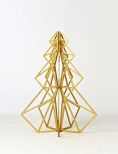 modern wood christmas tree, love!