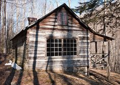Off The Well-Trod Path: The Mayna Avent Cabin In Great Smoky Mountains National Park Blue Ridge Mountains, Great Smoky Mountains, Mountain Vacations, Mountain Cabins, Most Visited National Parks, Old Cabins, Mountain Photography, Appalachian Mountains, Old Buildings