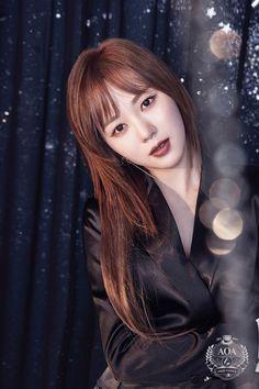 "Mina - AOA - 1st Studio Album ""Angel's Knock"" teaser image"