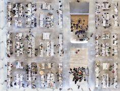 Detalles de la parte central con mesas de trabajo.Milstein Hall Studios. Cornell College of Architecture, Art and Planning. Fotografía © Brett Beyer.