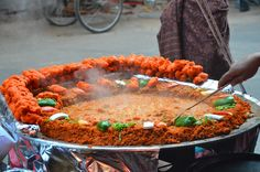 Agra Food Tours Agra Street Food Tour A visit to Agra is incomplete without tasting it's delightful local cuisine. This food tour of Agra will help you taste delicious street… Read Best Street Food, Indian Street Food, Yummy Snacks, Yummy Food, Bhaji Recipe, Indian Food Recipes, Ethnic Recipes, India Food, Food Tasting